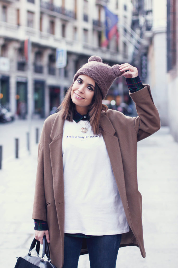 Camel_Coat-Beanie-streetstyle-outfit-11